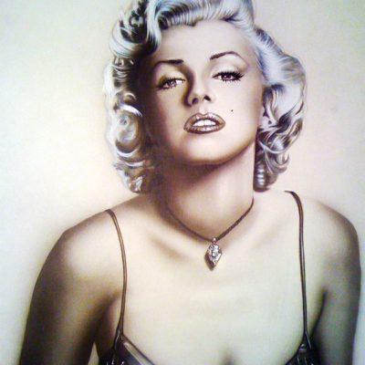 Retrato de Marylin Monroe con aerografía y técnicas mixtas.