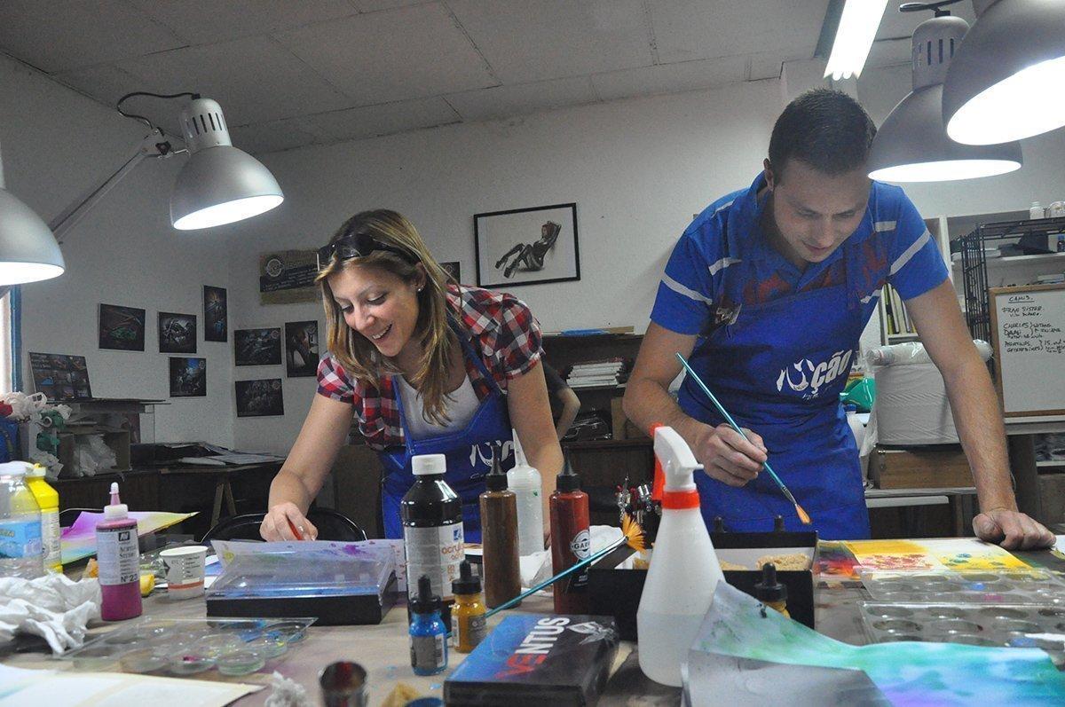 Alumnos de Cursos de aerografia en Madrid de Air Custom Paint.
