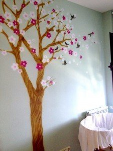 Pintura mural con cerezo y golondrinas por Air Custom Paint 05