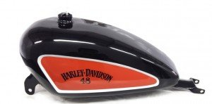 Harley-Davidson-deposito-alto-brillo-lettering-air-custom-paint-00